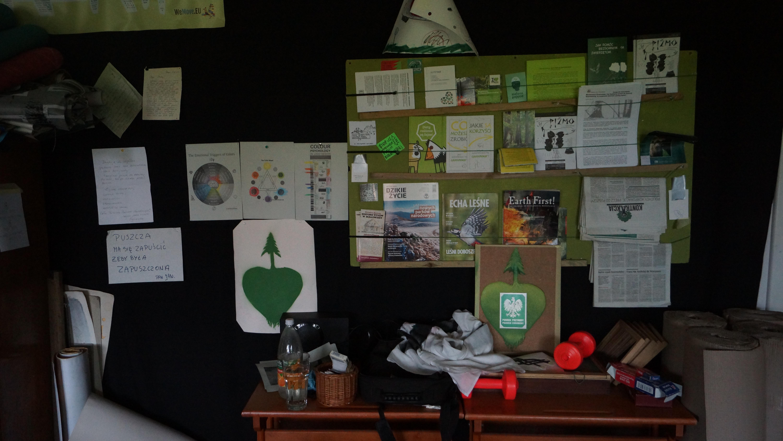 Blackboard to organize upcomming tasks.
